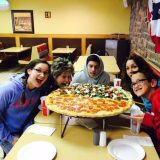auntie-and-er-lewis-family-big-pizza