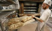 baker-making-bread